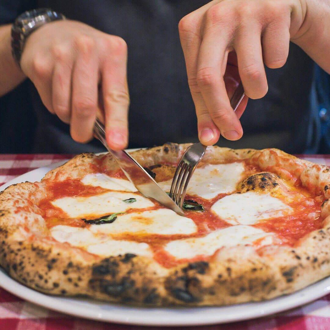 """""""Quando arriva?"""" -  Con i piatti da pizza Simple Day porti in tavola l'allegria"""